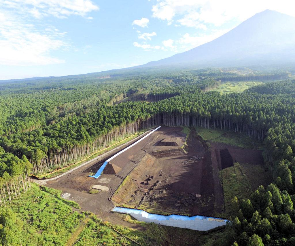 平成29年度富士山鞍骨沢第1支渓遊砂地護岸工事